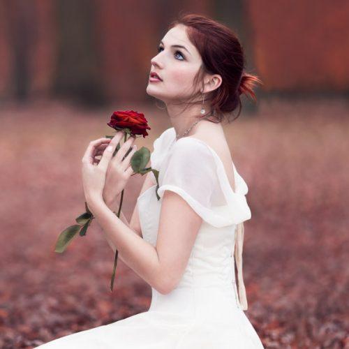 Séance portrait à la rose écarlate