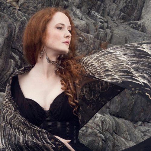 Séance portrait Femme oiseau de Bretagne